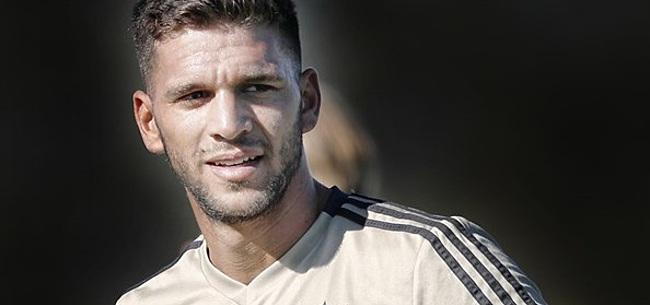 Foto: Ongelukkig debuut Magállan bij verliezend Ajax