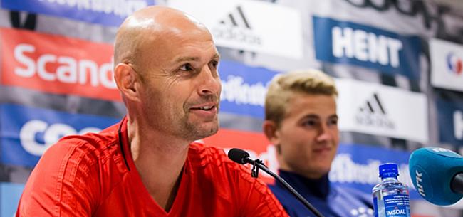 Foto: Ajax-fans richten zich tot Keizer: níét meer opstellen