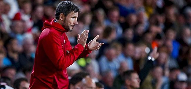 Foto: 'Van Bommel luistert en en past PSV-opstelling aan'