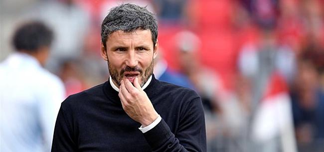 Foto: 'PSV werpt Ajax transfer in de schoot met ontslag Van Bommel'