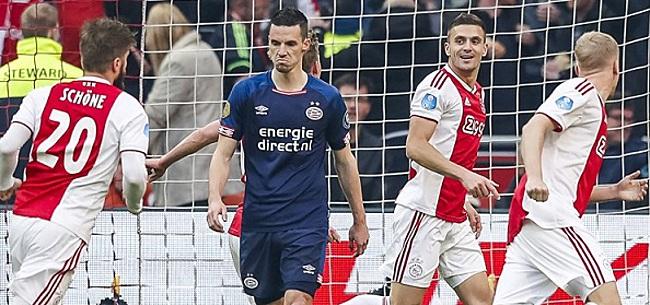 Foto: Bizarre actie van PSV-fan in Johan Cruijff ArenA