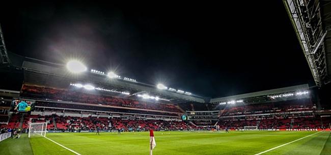 Foto: Basel-aanhang is furieus: nauwelijks fans naar Eindhoven