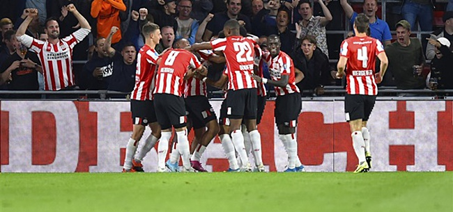 Foto: PSV wint opvallend makkelijk van Vitesse: Malen maakt er vijf