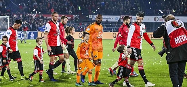 Foto: Feyenoord-fans fileren aanstaande transfer: 'Wanbeleid!'