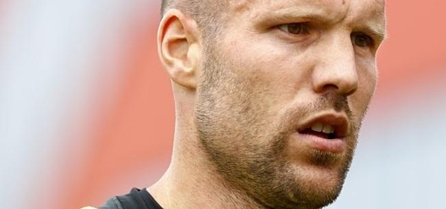 Foto: Vlaar gaat door: 'Ik vind het echt nog te leuk om te voetballen'