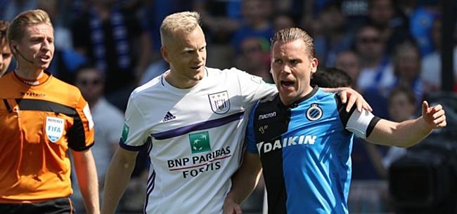 Foto: Vormer wil Totti nadoen, maar kan geen mobieltje vinden