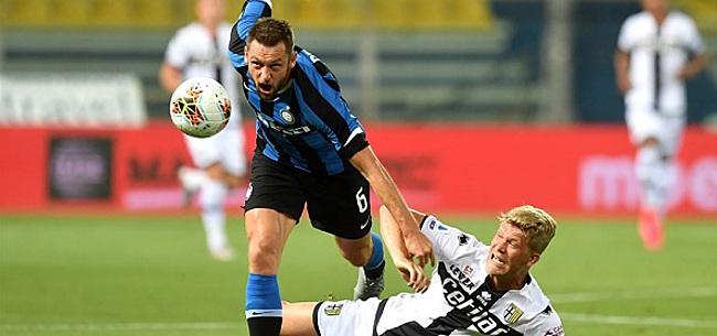 Foto: Internazionale geeft voetballes aan kansloze hekkensluiter