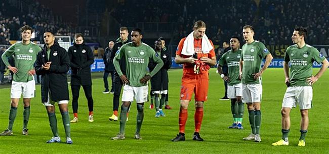 Foto: Engelse fans maken massaal gehakt van PSV na transferbod