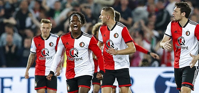 Foto: Fans fileren één Feyenoorder: