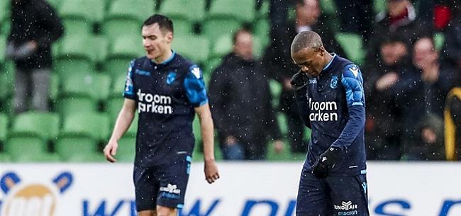 Foto: Spelersbus Vitesse opgewacht: Slutsky moet het ontgelden
