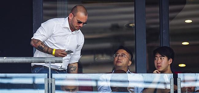 Foto: Sneijder maakt ruzie met gedeelte F-Side