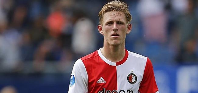 Foto: Ajax wint mini-Klassieker met drie rode kaarten in De Kuip