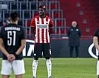 """Foto: PSV-fans zijn het zat: """"Wat ben jij slecht"""""""