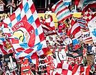 Foto: PSV-fans 'versieren' tunnel bij Johan Cruijff ArenA