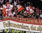 Foto: Klassieker komt eraan: Feyenoord-fan plast op shirt Ajax (🎥)