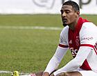 Foto: Ajax-kijkers halen keihard uit naar zwakste schakel: 'Hopeloos!'