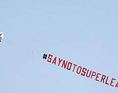 Leeds protesteert tegen Liverpool-actie: 'Earn it'