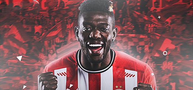 Foto: PSV-fans vellen duidelijk oordeel over debuut Sangaré