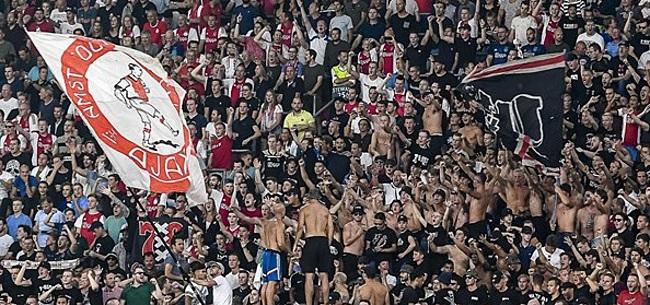Foto: Ajax maakt mooi gebaar in 'rottige tijden':