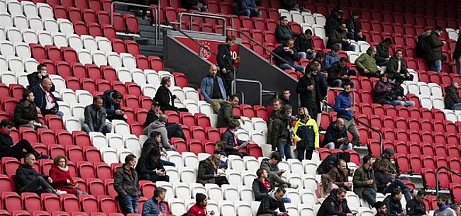 Foto: Ajax-fans walgen van eigen speler: 'Schijt aan de club'
