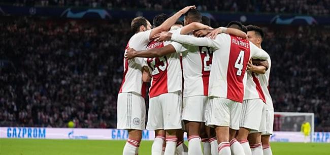 Foto: Ajax-fans wijzen dissonant aan: 'Slechte speler'