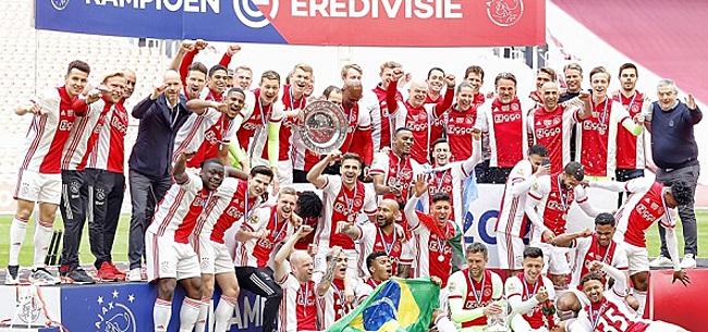 Foto: 'Ajax deelt gigantische klap uit aan PSV en Feyenoord'