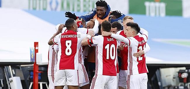 Foto: 'Grote Ajax-middelvinger richting de Eredivisie'