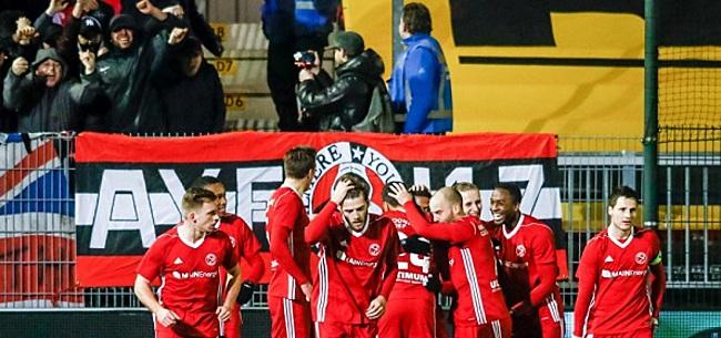 Foto: Almere City-verdediger verlengt aflopend contract met twee jaar