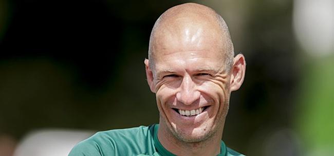 Foto: Danny Buijs legt 'nieuwe rol' Arjen Robben uit