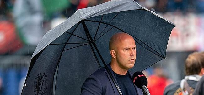 Foto: Feyenoorder gefileerd: 'Zak aardappelen op zijn rug?'