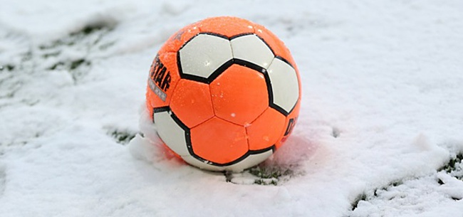 Foto: Roda JC - Almere City voorlopig gestaakt door extreme sneeuwval