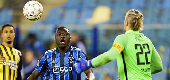 Foto: Brobbey helder over Ajax-terugkeer