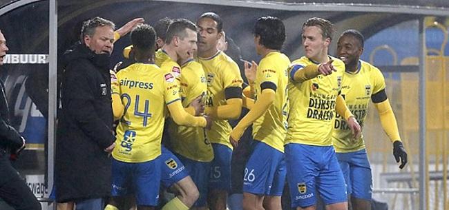 Foto: Cambuur profiteert van misstap Jong Ajax, achtervolgers winnen