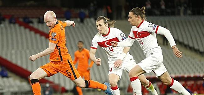 Foto: '450.000 Turken in Nederland, maar geen in Oranje'