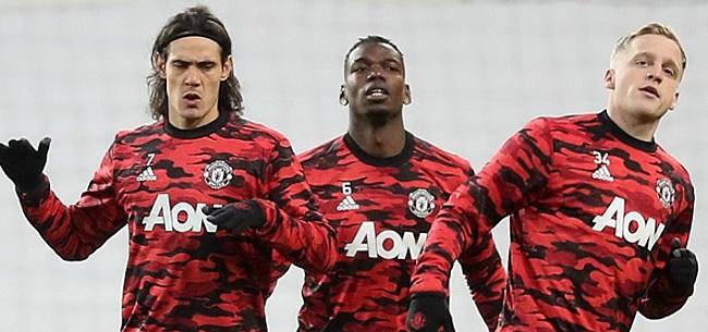 Foto: United-fans kraken Van de Beek af: