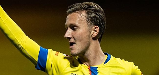 Foto: Aanvoerder Schouten met Cambuur de Eredivisie in