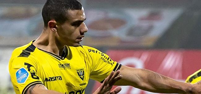Foto: Fenomeen Giakoumakis vernedert Vitesse met vierklapper