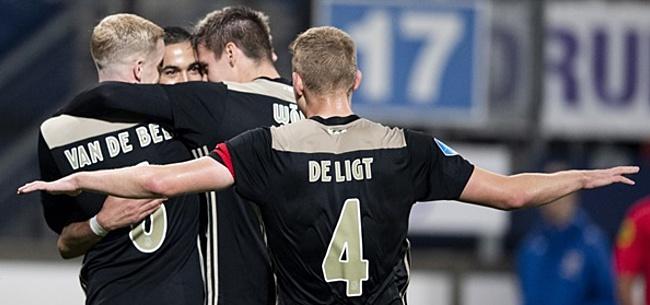 Foto: Kijkers Heerenveen-Ajax maken KNVB met grond gelijk: 'Dit is een farce'