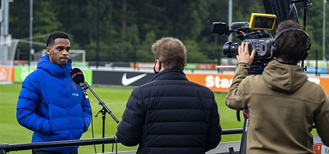 Foto: Ajax-fans 'slopen' Aad de Mos na PSV-tweet