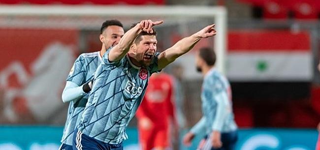 Foto: Ajax-fans gaan massaal los over 'transfer' Huntelaar
