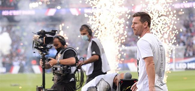 Foto: 'Ajax laat Lionel Messi in het stof bijten'