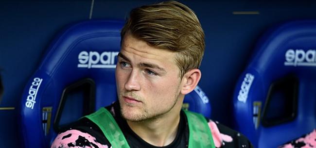 Foto: Barcelona-directeur onthult: 'Hebben Ajax en De Ligt heel groot aanbod gedaan'