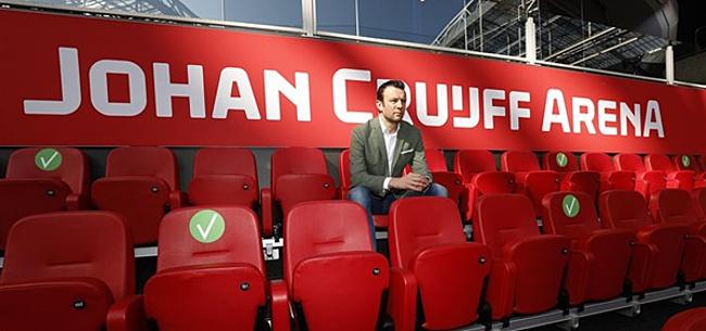 Foto: Ajax-directeur verklapt geheim op de radio