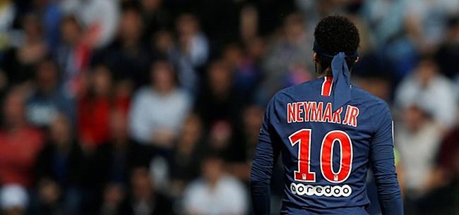 Foto: Paris Saint-Germain woedend, Neymar speelt voetvolley