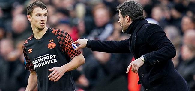 Foto: PSV-fans helemaal klaar met Van Bommel: