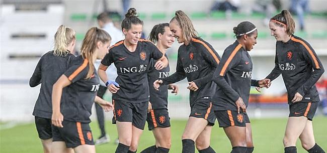 Foto: Oranje Leeuwinnen laten kansen liggen bij rentree Martens