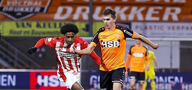 Foto: Kijkers Volendam-PSV gaan massaal los:
