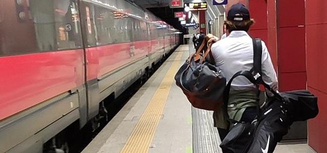 Foto: 'Bizarre opvolger Koeman al in de trein naar Barcelona'