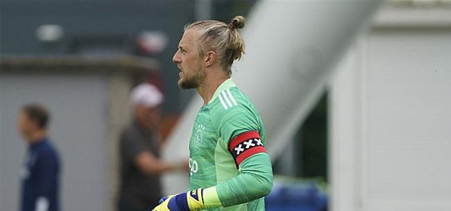 Foto: Pasveer looft Ajax-ploeggenoot: 'Staat zijn mannetje'