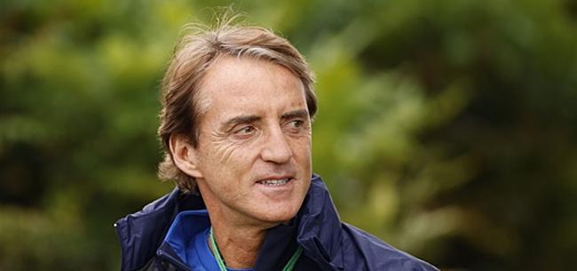 Foto: Mancini geeft Italiaanse fans fikse uitbrander